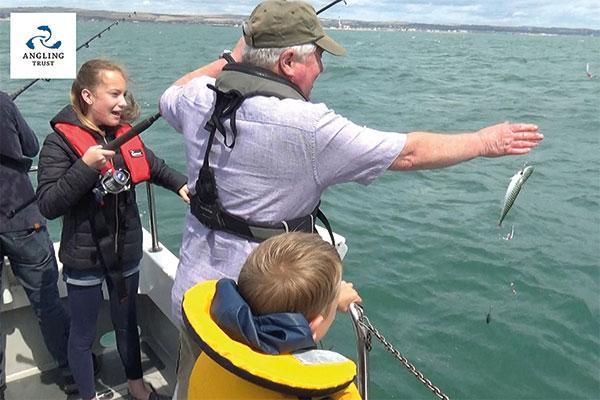 600x400-Angling-Trust-mackerel-fishing